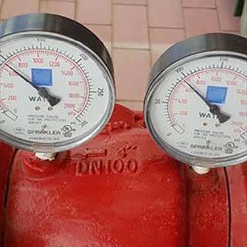 שעון לחץ מים